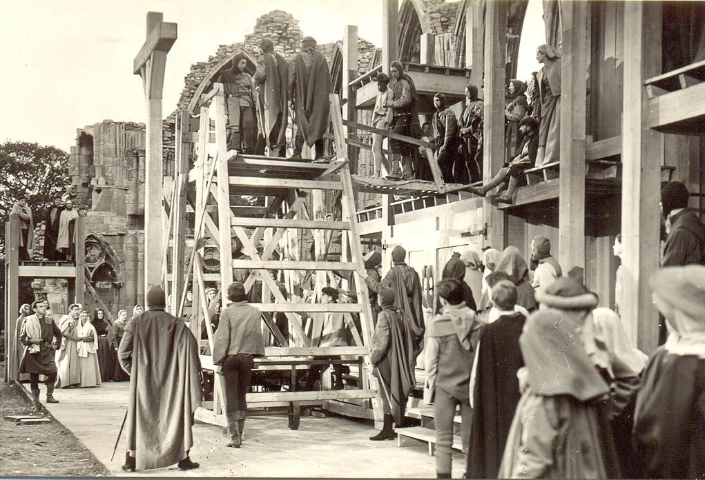 1960 begin crucifixion